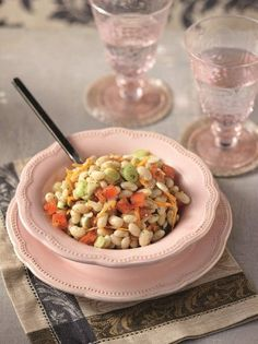 Σαλάτα με άσπρα φασόλια, μπέικον και σάλτσα μουστάρδας - www.olivemagazine.gr Salad Bar, Pasta Salad, Salads, Sweets, Healthy Recipes, Vegetables, Ethnic Recipes, Food, Dips