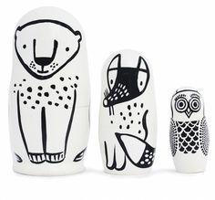 Eine tolle und ausgefallene Geschenkidee ist diese Matrioschka im tierischen Design von Wee Gallery. Die Puppen werden in Russland handbemalt. Achtung: Die Matrioschka enthält Kleinteile und ist erst für Kinder ab 3 Jahren...