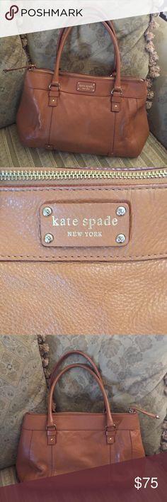 Kate Spade camel color bag Used but very good condition Kate Spade handbag (camel color) kate spade Bags Shoulder Bags