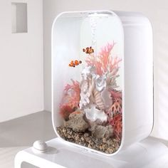 Fish tank (Cool Bedrooms Plants)