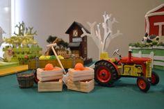 Trator...detalhes de uma mesa temática de Fazenda muito original   www.babolina.com.br