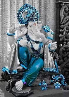 ll Om Gam Ganapatayenamaha ll Shri Ganesh Images, Ganesha Pictures, Ganesh Idol, Ganesha Art, Lord Ganesha Paintings, Lord Shiva Painting, Ganpati Bappa Photo, Ganpati Bappa Wallpapers, Happy Ganesh Chaturthi Images