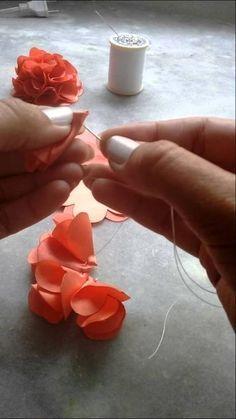 Discover thousands of images about Flor camélia simples costurada, Juliana Souza, - Ribbon Art, Diy Ribbon, Ribbon Crafts, Fabric Ribbon, Flower Crafts, Diy Crafts, Cloth Flowers, Felt Flowers, Diy Flowers