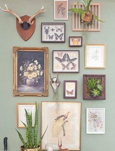 Gallery Wall · Creative Home Decor Inspiration · Wall Art · Eclectic Office · Vintage Inspiration Wand, Home Decor Inspiration, Design Inspiration, Hallway Inspiration, Decor Ideas, 31 Ideas, Decorating Ideas, Cool Items, Wall Collage