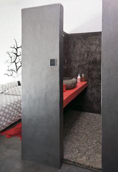 Une salle de bain... avec chambre