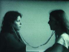"""De 4 de abril a 11 de maio, a Galeria Jaqueline Martin recebe a exposição coletiva """"Ruído Branco"""", que alude à história da videoarte a partir dos anos 1970, com o intuito de traçar paralelos entre cinco artistas de origem e períodos diversos,"""