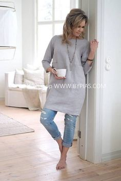 Ideal Clothes For Women Over - Fashion Trends Boho Fashion Winter, Boho Fashion Over 40, 70s Fashion, Vintage Fashion, Fashion Outfits, Gothic Fashion, Fashion 2018, Korean Fashion, Linen Tunic Dress