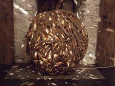 Google Image Result for http://2.bp.blogspot.com/_OcG_dzShLIM/TGLrfewsxYI/AAAAAAAAAqY/3hPHWCmQuo8/s1600/driftwood%2Bball%2Blamp.jpg