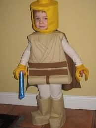 This may be on the short list for next Halloween! (not sure how the dollar store - Jedi Costume - Ideas of Jedi Costume - This may be on the short list for next Halloween! (not sure how the dollar store fits but these are very cute! Lego Halloween Costumes, Food Costumes, Hallowen Costume, Star Wars Costumes, Halloween Costume Contest, Cute Costumes, Halloween Fun, Vintage Halloween, Jedi Costume