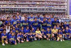 Boca Juniors Campeón del Torneo Apertura 2003.Arriba: Schiavi, Abbondanzieri, Burdisso, Perea, Cagna y Cascini. Abajo: Guillermo Barros Schelotto, Donnet, Battaglia, Iarley y Calvo.