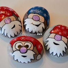 . Pebble Painting, Dot Painting, Pebble Art, Stone Painting, Stone Crafts, Rock Crafts, Arts And Crafts, Christmas Rock, Christmas Crafts