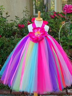 Sparkling Fashion: How to make Tutu dress/Princess frock lots of really cute ideas -- different details on this site Girls Tutu Dresses, Tutus For Girls, Little Girl Dresses, Long Dresses, Dress Long, Tulle Tutu, Tulle Dress, Tulle Fabric, Flower Girl Tutu