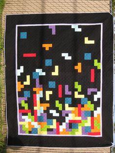 Fufettius Quilts: Bloggers' Quilt Festival  -Tetris Quilt (LOVE it!!!)