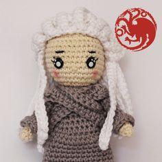 Crochet Pattern Daenerys Targaryen Game of thrones Pokemon Flareon, Pikachu, Daenerys Targaryen, Patron Crochet, Big Hero 6, Game Of Thrones, Spiderman, Princesa Leia, Crochet Patterns