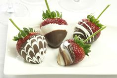 Driscoll's Marble #Chocolate Covered #Strawberries Recipe | www.driscolls.com