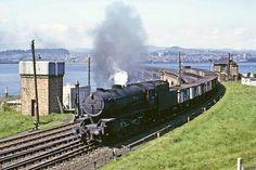 Hi-Res R0209 | WD Class 8F 2-8-0 no. 90020 comes off the Tay… | Flickr