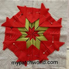 folded star mat tutorial with clear and simple instructions Mug Rug Patterns, Potholder Patterns, Star Quilt Patterns, Potholders, Quilting Tutorials, Quilting Projects, Quilting Designs, Small Sewing Projects, Sewing Crafts