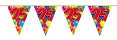 Vrolijke slinger met veel kleur en de leeftijd 25 jaar. De vlaggetjes zijn bedrukt met gekleurde ballonnen en het cijfer 25. De slinger is 10 meter lang. - Vlaggenlijn ballonnen: 25 jaar - 10 meter