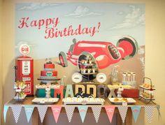 Aniversário de menino: carros de corrida vintage