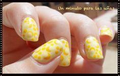 "Reto Colores de ""Cosas de Chicas"". Semana 1: Amarillo!! http://unminutoparalasunas.blogspot.com.es/2013/09/reto-colores-de-cosas-de-chicas.html"