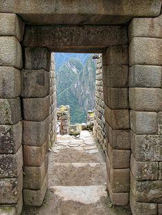 Machu Picchu:Ciudad sagrada de los Incas.-contruccion realizada con Muros de…