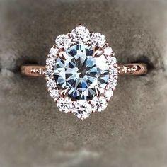 Oval halo engagement #ring #haloengagementring