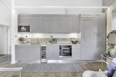 Simple Clean and Confortable * Simples Clean e Confortável (Home-Styling) Helsingborg, Home Fashion, Decoration, House Tours, Future House, Kitchen Cabinets, Cottage, House Design, House Styles