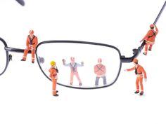 Video: Brillen im Härtetest - Brillen Trends & Themen