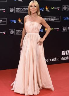 Las mejores vestidas del Festival San Sebastián 2014  Cayetana Guillén Cuervo