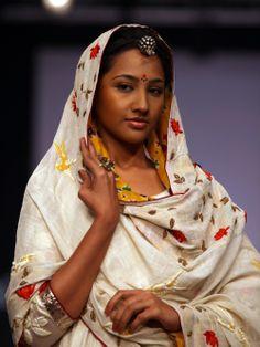 Gaurang Shah - Patan Patola Lengha 3