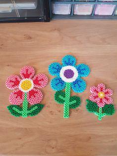 Easy Perler Bead Patterns, Perler Bead Art, Pearler Beads, Fuse Beads, Bead Crafts, Diy And Crafts, Hama Beads Design, Iron Beads, Melting Beads