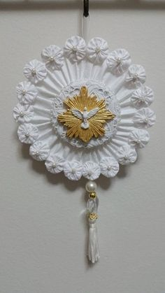 Diy And Crafts, Arts And Crafts, Arte Popular, Holy Spirit, Embellishments, Sewing Projects, Crochet Earrings, Santa, Brooch