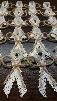 Wedding Cards, Diy Wedding, Wedding Favors, Rustic Wedding, Wedding Gifts, Wedding Day, Anniversary Crafts, Coin Couture, Bridal Brooch Bouquet