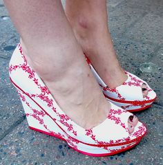 Make your own fabric-covered shoes! This idea is wickedly awesome. Must try...thrift store shoes + fabric and glue.