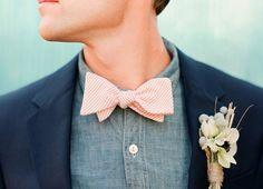 Groom & Groomsmen: Chambray Shirt //Photo via Grey Likes Weddings