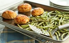 Mini Turkey Meatloaf and Maple Green Beans Sheet-Pan Dinner // Little to no mess once you're done cooking!