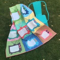 Bee In My Bonnet: Movie Night Snuggle Quilt Tutorial!!