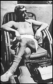 I aspire to 'write' like William Faulkner! ~Vintage Photos of Famous Authors Writing William Faulkner, I Love Books, Good Books, Books To Read, Anne Rice, Writers And Poets, Writers Write, Book Writer, Book Authors