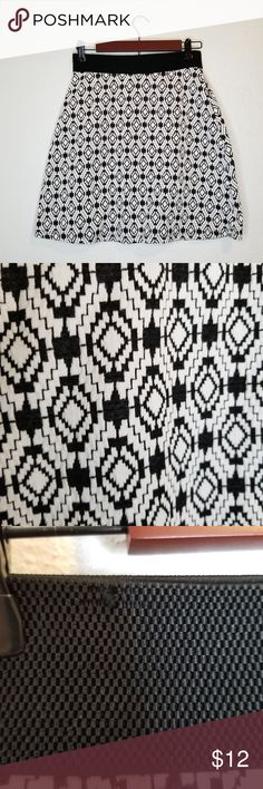 Gilli Stitch Fix A-Line Skirt Black White Medium Gilli Stitch Fix Kelsey A-Line Skirt Black and White Geometric Pattern Black Elastic Waistband Style # S522P Size Medium Condition: Excellent condition other than a small snag on the waist band (shown in third picture)  Waist: 13 inches Length: 19 inches  Let me know if you have questions! Gilli Skirts A-Line or Full