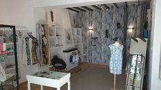 Boutique Art E Perlas en Altea, calle del Sol nº4 . Alicante. Costa Blanca. Altea, Boutique, Alicante, Divider, Furniture, Home Decor, Sun, Black Pearls, Jewels