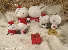 """You can find the bigger Bigli Migli free crochet patternsHEREand HERE.  Christmas is here and I wanted to make a tiny version of Bigli Migliwhich I can hang on our Christmas tree. Since they are about 5-6 cm/1.96-2.36""""tall, they can be perfect keychains, too. I made..."""