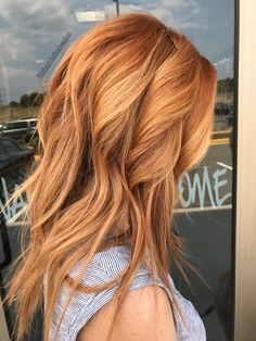 Trendy hairstyles and col… 2019 Trendy Wild Fashion Strawberry Blonde Hair Color; Trendy hairstyles and colors Women hair colors; Hair Color For Women, Hair Color And Cut, Strawberry Blonde Hair Color, Ginger Blonde Hair, Blonde Color, Blonde Hair With Copper Highlights, Copper Gold Hair Color, Strawberry Blonde Hairstyles, Strawberry Blonde With Highlights