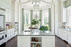 Greenberg and Elissa Cullman Design a Federal-Style Mansion in Houston Allan Greenberg designed the classic white kitchen cabinetry in this Houston home.Allan Greenberg designed the classic white kitchen cabinetry in this Houston home. Elegant Kitchens, Luxury Kitchens, Beautiful Kitchens, White Kitchens, Tuscan Kitchens, French Kitchens, Beautiful Homes, Open Kitchens, Country Kitchens