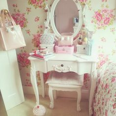 A Dressing table for my Inner Princess!!!