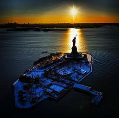 Sunrise - Statue of Liberty, New York Harbor Liberty Island, New York Harbor, Empire State Of Mind, I Love Nyc, Nyc Art, City That Never Sleeps, Living In New York, Park City, Landscape Photography