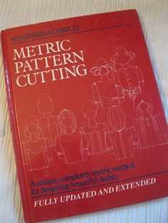 Metric pattern cutting book review by coletterieis was my first metric pattern cutting classic fandeluxe Image collections