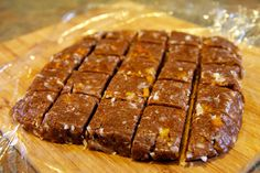 Healthy dessert: No-Bake Almond Butter Apricot Bites Recipe (raw almonds, raisins, cinnamon, dried apricots, shredded coconut).