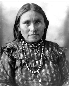Ha-o-zinne (the wife of Naiche) - Chiricahua Apache - 1898