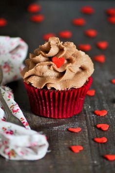 Receta de cupcakes de Ferrero Rocher con crema de mantequilla suiza