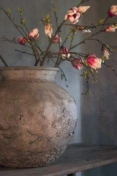 Altar Vases: More Wabi-sabi vase design. Just a simple vase with beautiful, unembellished form. Wabi Sabi, Deco Floral, Arte Floral, Ikebana, Vibeke Design, French Country House, Country Living, Country Style, Beautiful Flowers